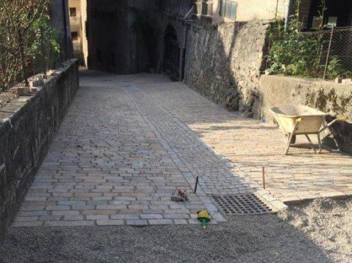 Rifacimento pavimentazione e realizzazione sottoservizi a Mezzana